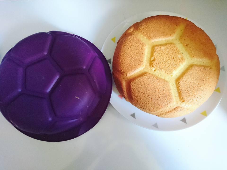 Tupperware, fête l'euro avec son Moule football silicone