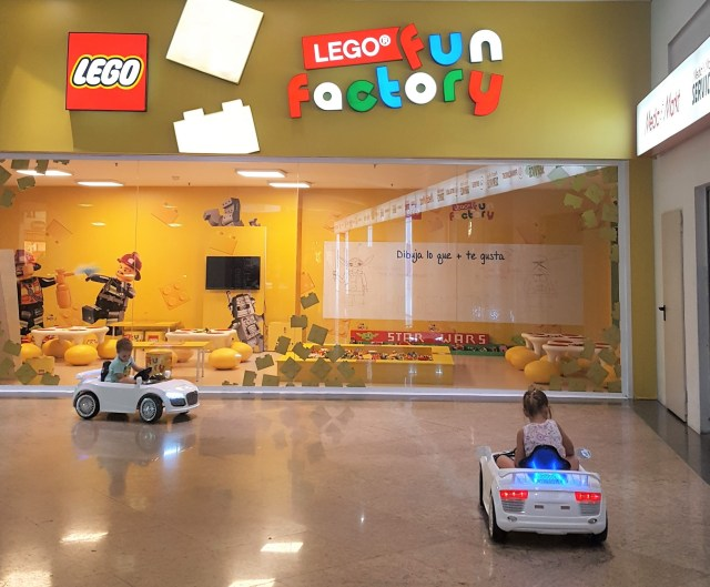lego-fun-factory-diagonal
