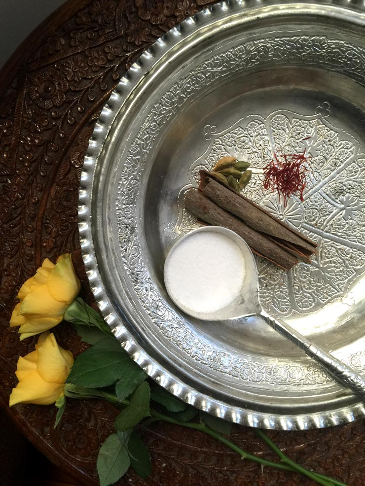 Kashmiri_Kehwa_Ingredients_via_Mamanushka_Blog