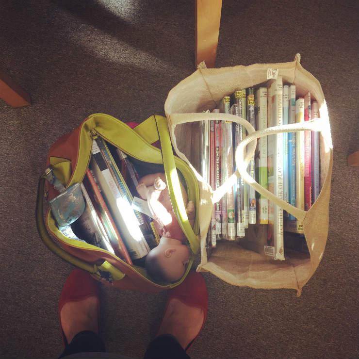 library-book-bag-via-mamanushka-blog