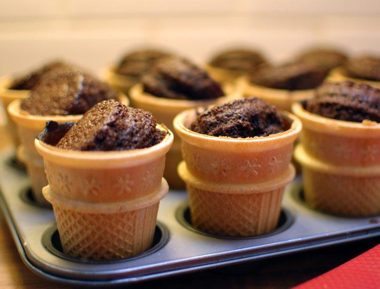 MAMANUSHKA.com    Rainy Day Ice Cream Cupcakes    Cooking with Kids    Kids Recipes    Klutz Cookbook