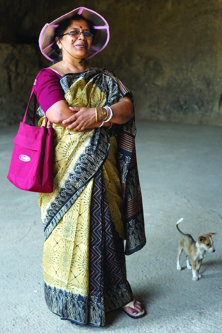 Love Our Aunties || Upping The Aunty Street Style, Gunalaxsmi Aunty by Artist Meera Sethi || Mamanushka.com