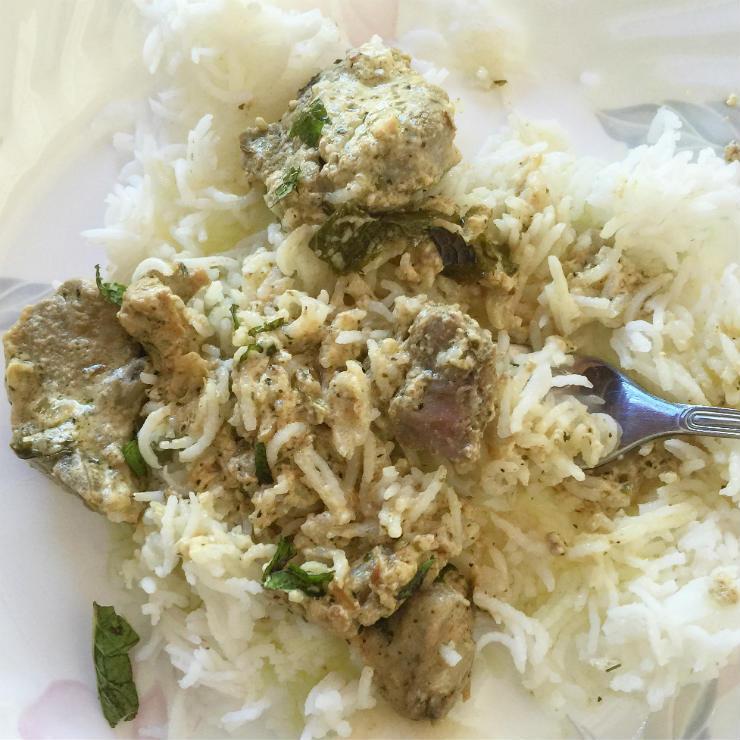 kashmiri-yakhn-serving-via-mamanushka-blog