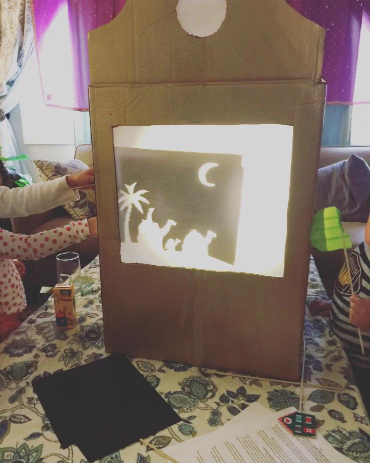 shadow-puppets-hijri-party-kids-via-mamanushka-blog