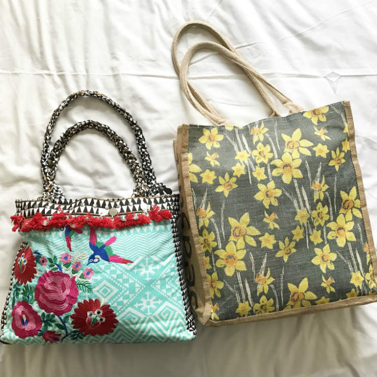 MAMANUSHKA.COM || Hospital Bag Inspiration || Birth