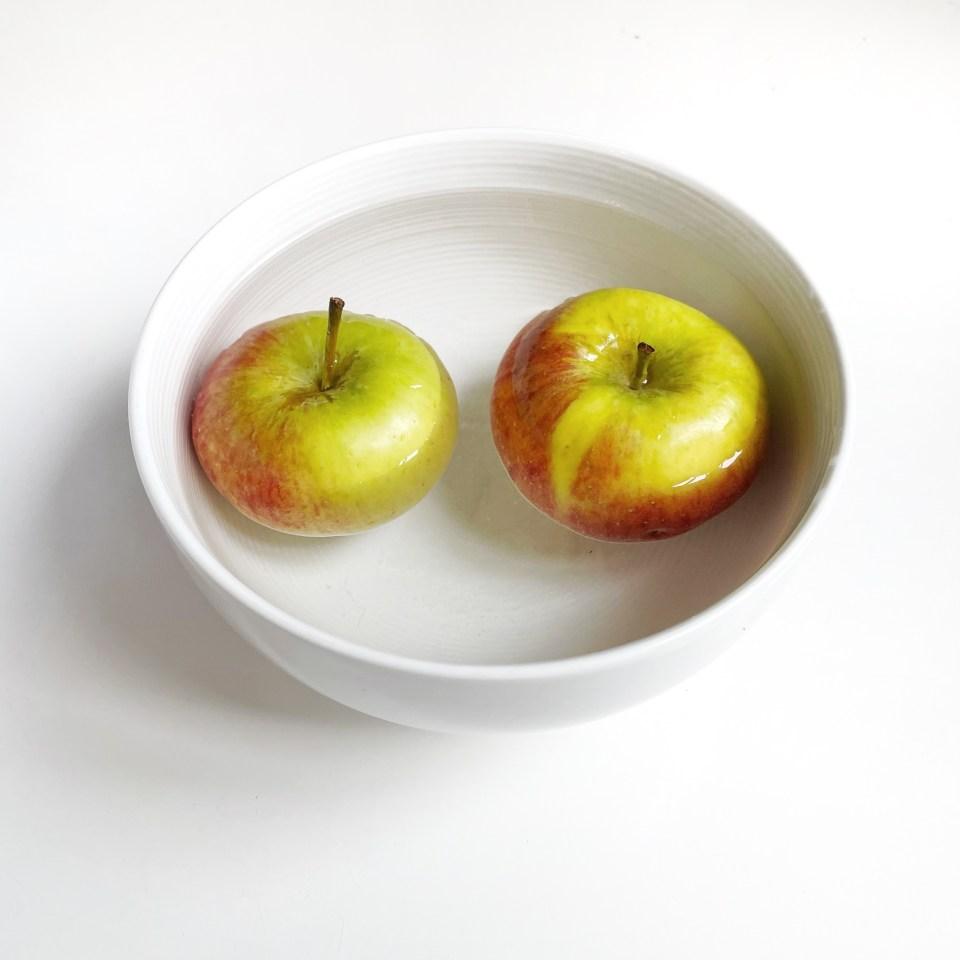 lotion home made tonifiante et rafraîchissante aux épluchures de pomme et écorce d'orange bicarbonate de soude