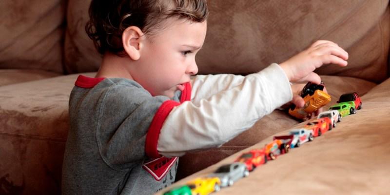 rani znaci autizma