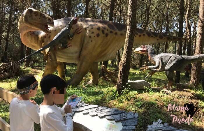 visitar un parque de dinosaurios con niños