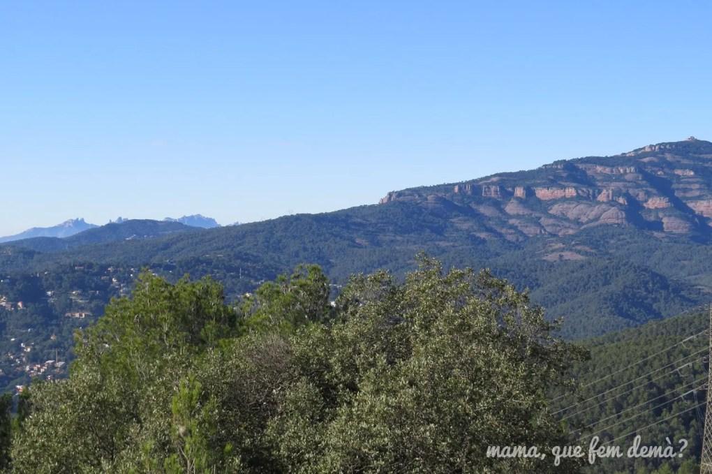 Vistas de La Mola y Montserrat desde el Puig de la Creu de Castellar del Vallès