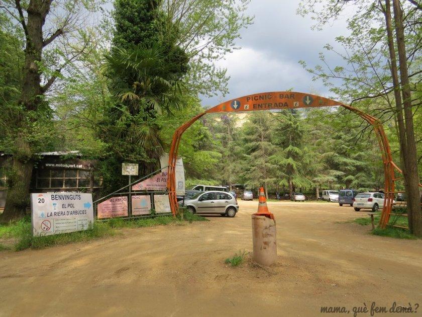Puerta de entrada del Picnic La Riera d'Arbúcies