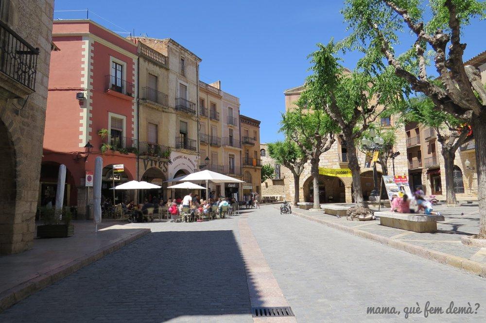 bares con terrazas en la Plaça Major de Montblanc