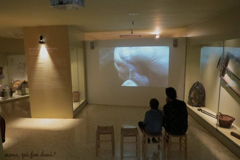 Viendo un audiovisual de como hacer membrillo