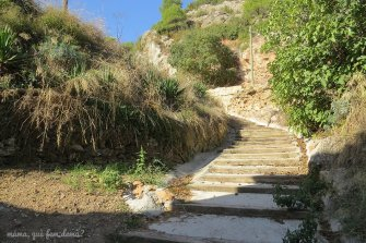Camino para llegar al Castillo de Claramunt,