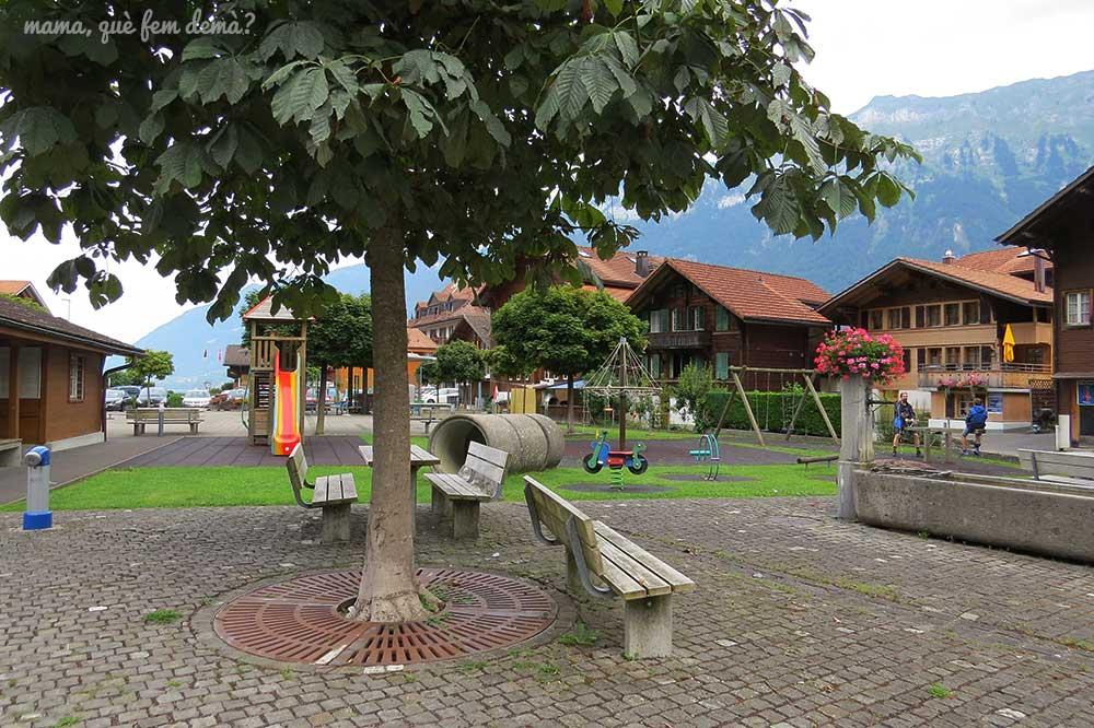 Parque en Iseltwald, Suiza