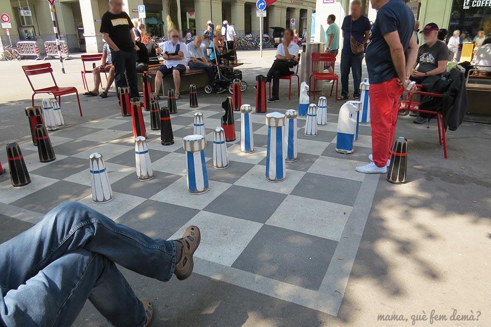 tablero de ajedrez en el suelo de Berna