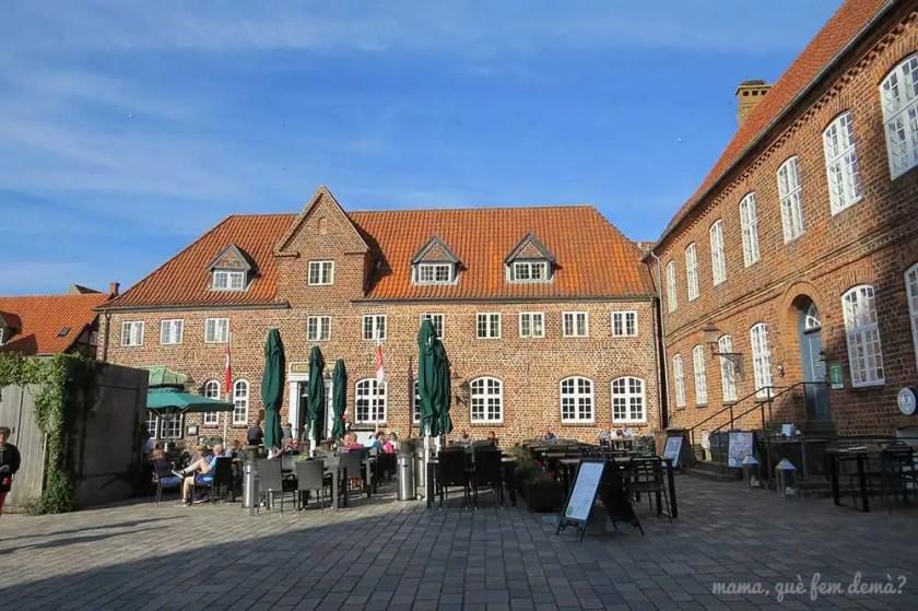 Hotel Darmar y lateral del restaurante Porsborg