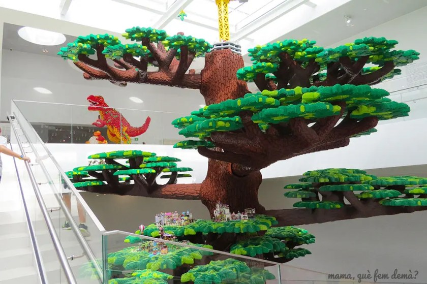 Árbol de la creatividad de Lego House