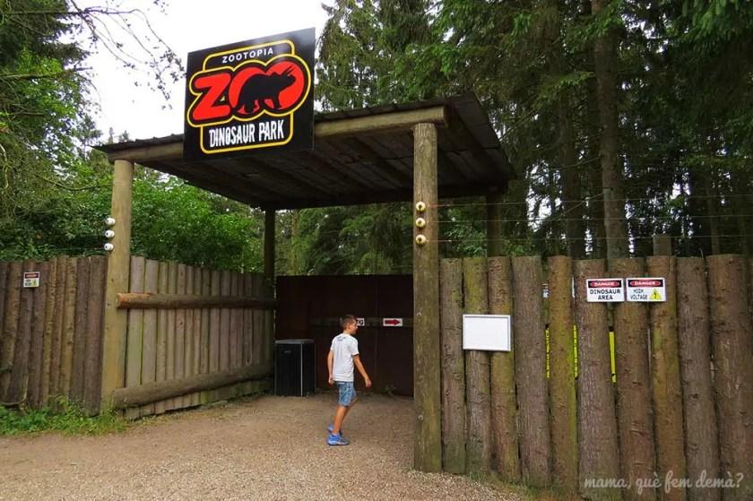 entra al Dinosaur Park en Givskyd Zoo