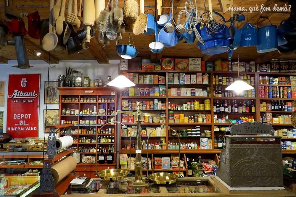 Tienda de comestibles antigua en el Castillo de Egeskov