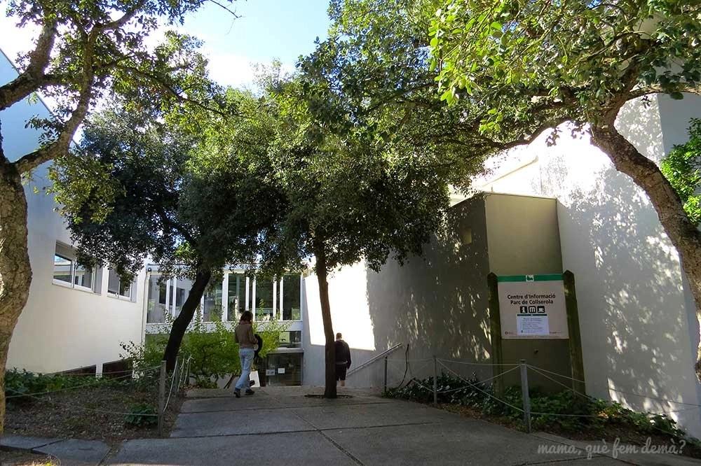 Fachada del Centre d'Informació del Parc Natural de la Serra de Collserola