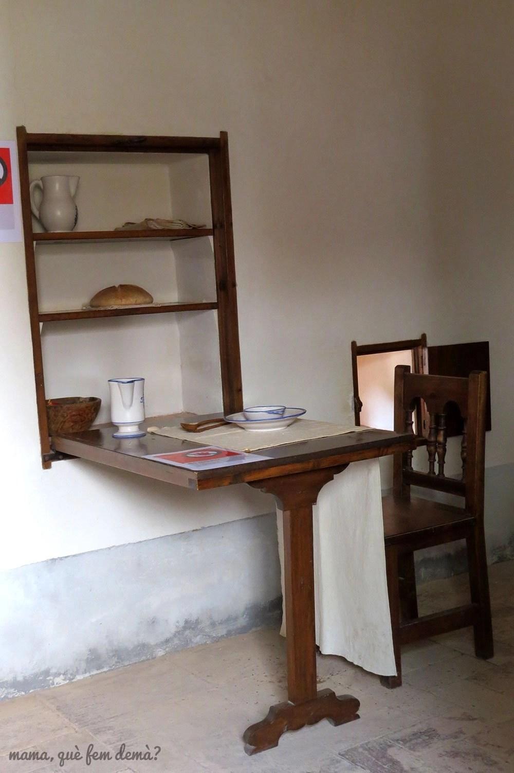 Mesa donde comía un monje en la Cartoixa d'Escaladei