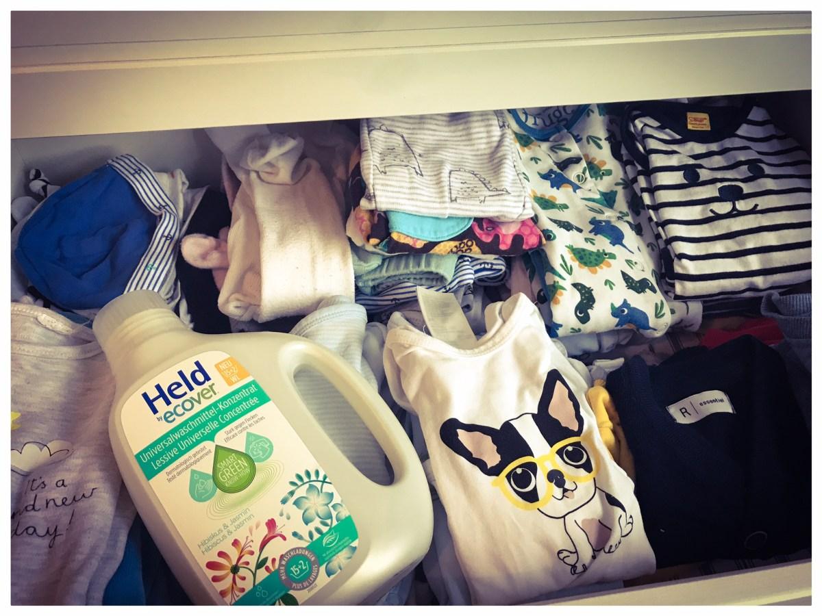 Des Babybruders neue Kleider – mit Held by Ecover