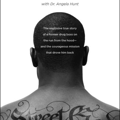 {Tyndale House Publishers Book Review} Street God by Dimas Salaberrios