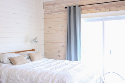 White Washed Horizontal Planked Pine Wall-2