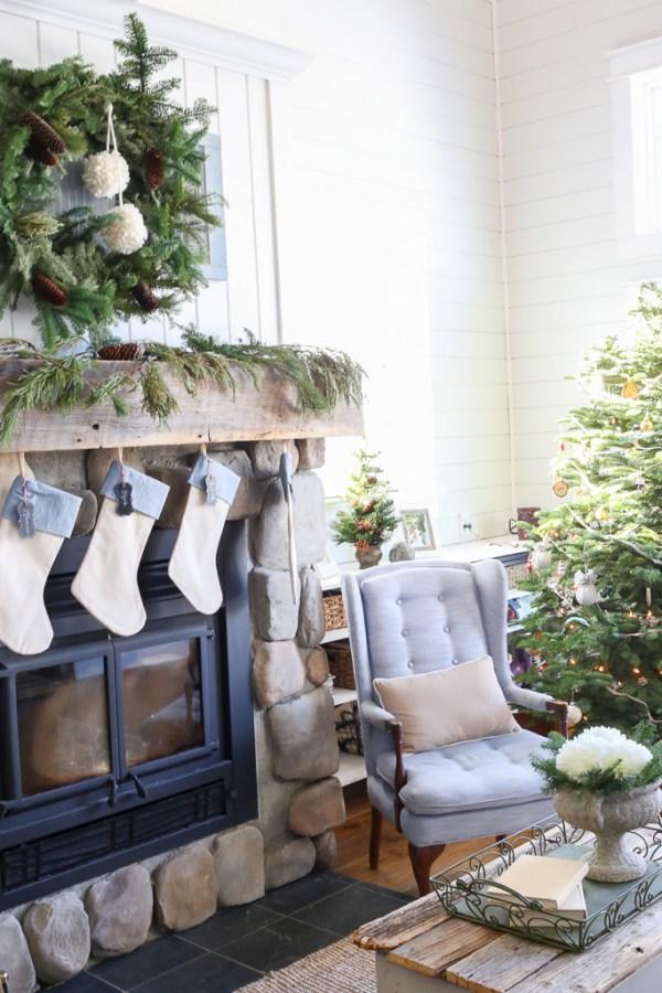 Lake House, Christmas Living Room-4