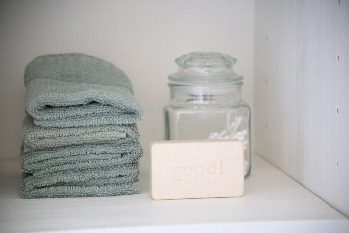 mint towels| This Mamas Dance