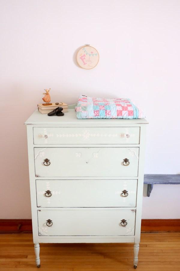 mint dresser, vintage quilt | This Mamas Dance-3