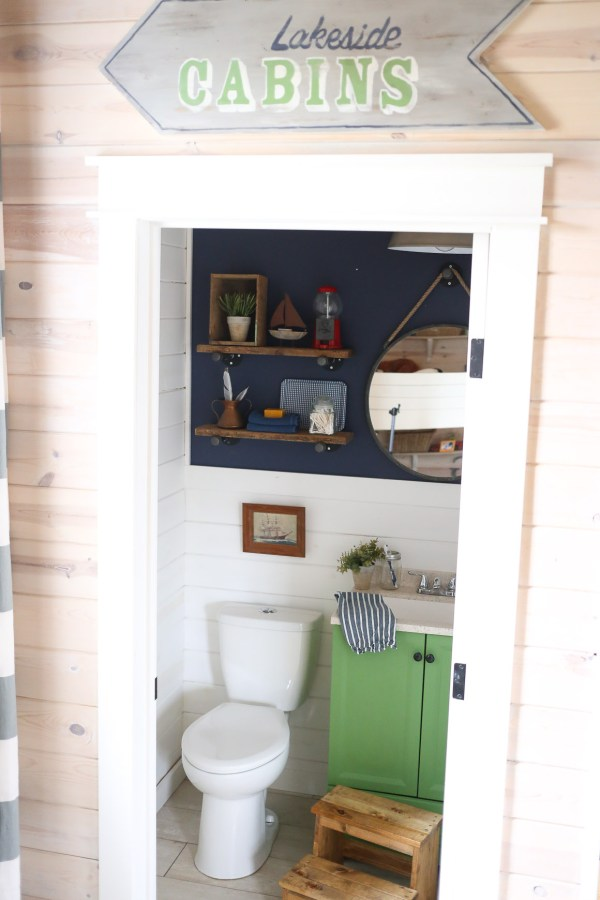 Kids Coastal Bathroom | This Mamas Dance