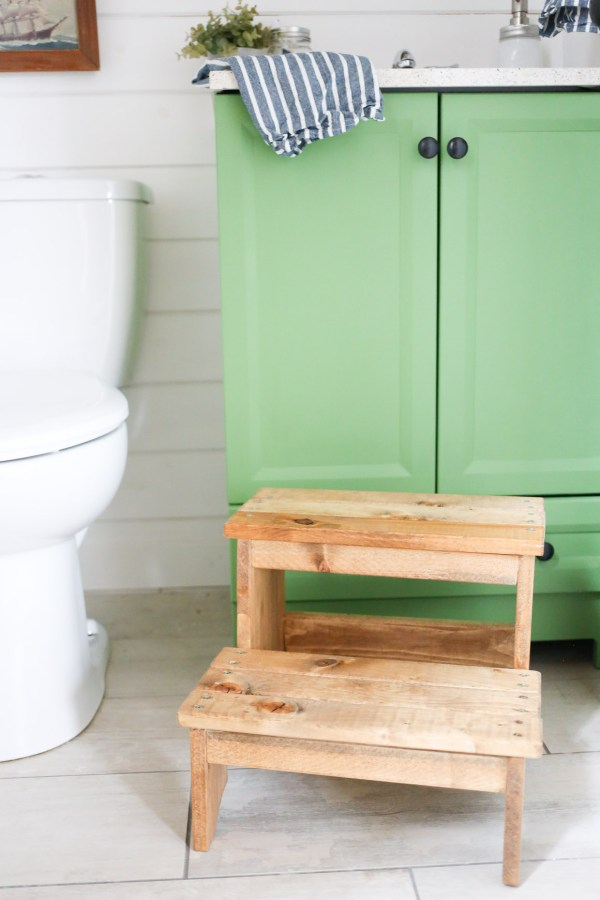 rustic-step-stool-this-mamas-dance-1