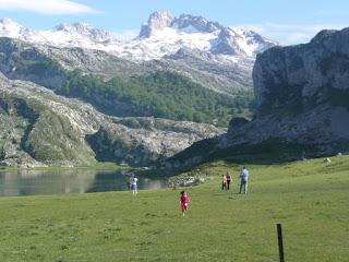 Asturias: Los Lagos de Covadonga 23