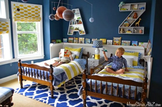 kids niños camas colores estanterías alfombra