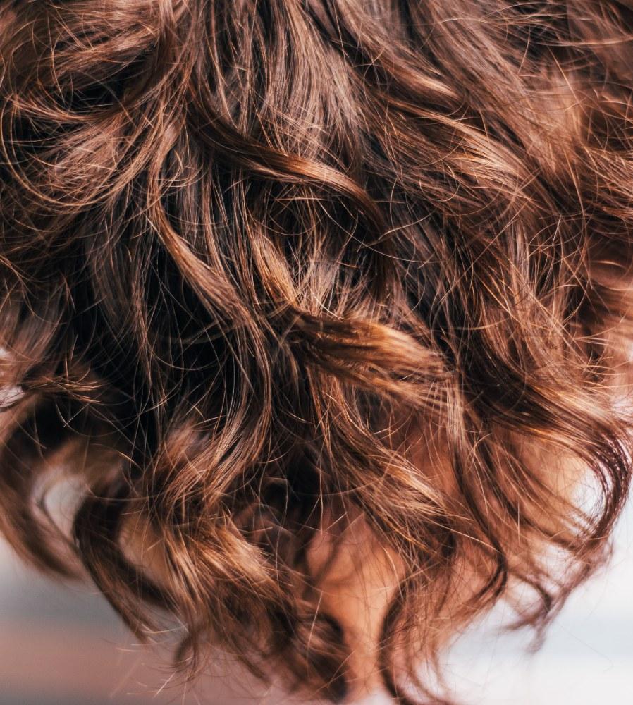 el cabellos en otoño