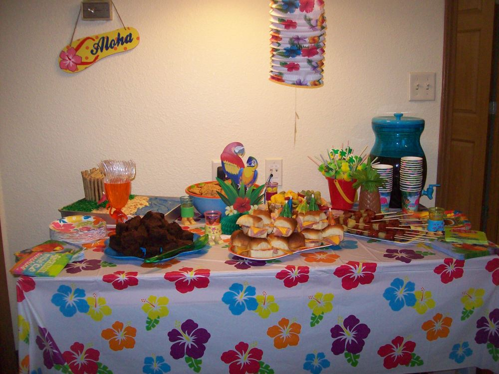 Luau Party Foods (1/6)