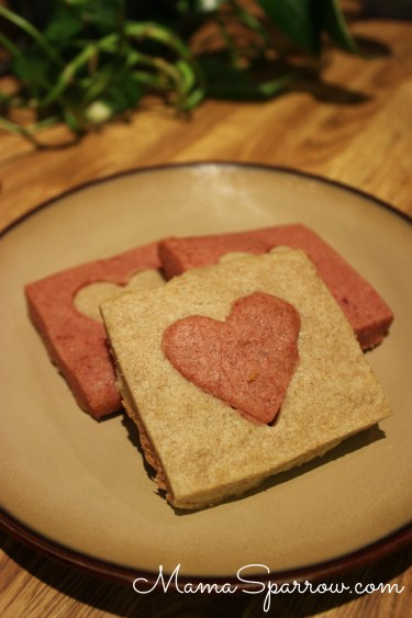 Red Beet Shortbread Cookies-Heart Cut-Plated-White-Side