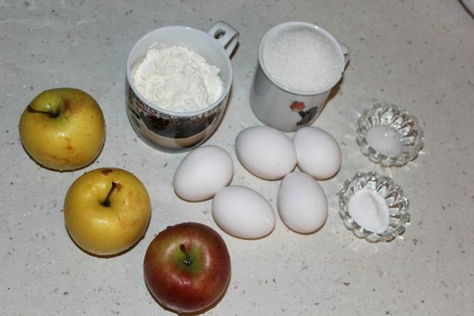 Ябълкова шарлота_продукти