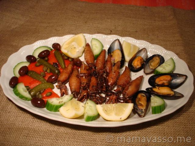 ouzomezes-kalamari-konserva