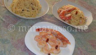 skordomakarona-aglio-e-olio-peperoncino-garides