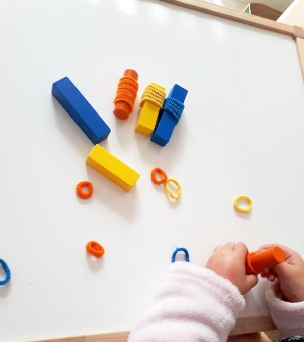 juego de colores con bloques de madera