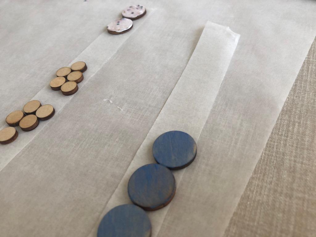 pintar piezas pequeñas de madera