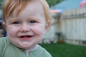 Señales de que a tu bebé le están saliendo los dientes