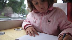 5 tips para ayudar a tu hijo zurdo en la escuela