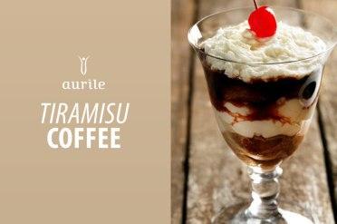 Napar: • 2 łyżki kawy Aurile Cherry, • 250 ml wody, • 130 g cukru. Krem: • 4 jajka, • 110 g cukru, • 500 g serka mascarpone. Pozostałe składniki: • biszkopty, • bita śmietana, • kakao do dekoracji. Przygotowanie: 1. Zaparzyć kawę Cherry w ekspresie typu mokka. Posłodzić. 2. Żółtka wymieszać z cukrem, połączyć z mascarpone i dokładnie wymieszać. 3. Białka ubić na pianę i delikatnie połączyć z masą serową. 4. Na dno pucharków nałożyć odrobinę masy, a następnie układać na zmianę z biszkoptami maczanymi w naparze kawowym. Ostatnią warstwą powinna być masa. 5. Udekorować bitą śmietaną i posypać kakao. 6. Przed podaniem schłodzić.