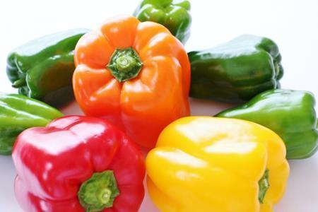 色の違いによってパプリカって味や栄養価が変わるのか調べてみた!
