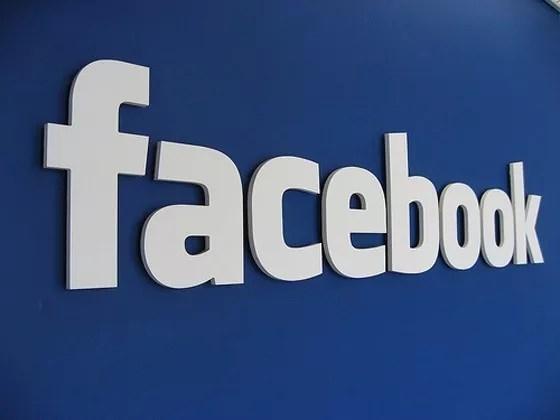 facebook - How Social Media Profiles effect on your CV