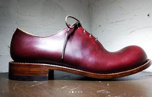 ヒラキヒミ。一枚革で作った革靴