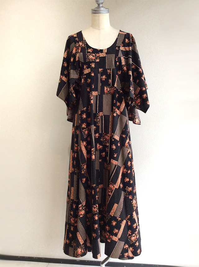 1970's British Flower Print Long Dress Black ×Orange
